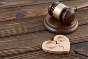 The Benefits and Risks of Using Witnesses During a Divorce Case